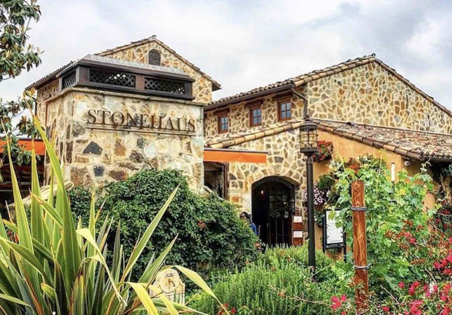 StoneHaus Westlake Village Inn outdoor patio extiero view of one of the best Westlake Village restaurants